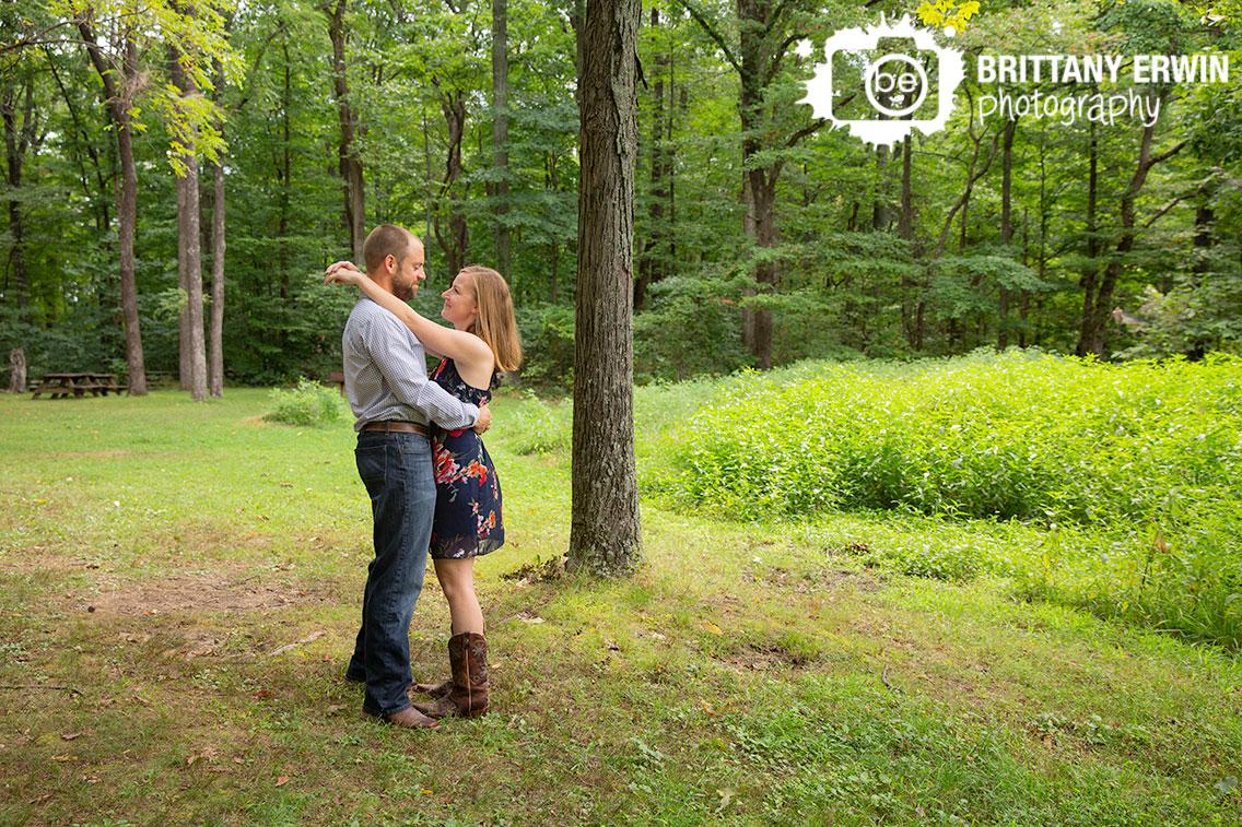 Brown-County-Park-elopement-engagement-portrait-photographer.jpg