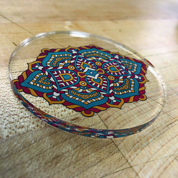 Abhi plays with the thickness of the transparent acrylic sheets creating some interesting optical illusions to dazzle the fam.