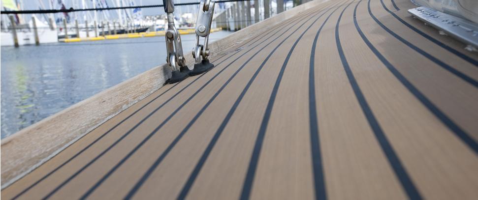 composite-boat-decks