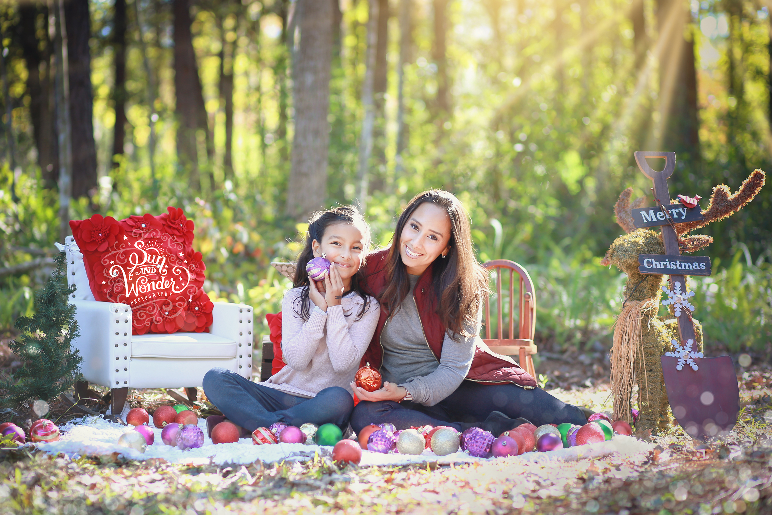 Sun and Wonder - Family Christmas Sessions