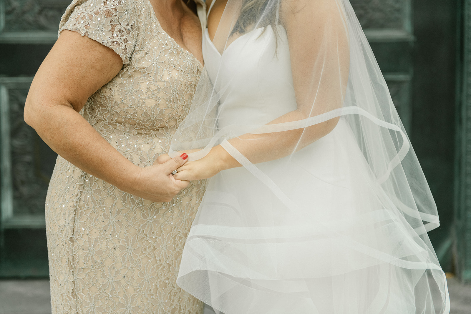 Maddie-Mike-Cleveland-wedding-Sophie-Berard-Photography-6788.jpg