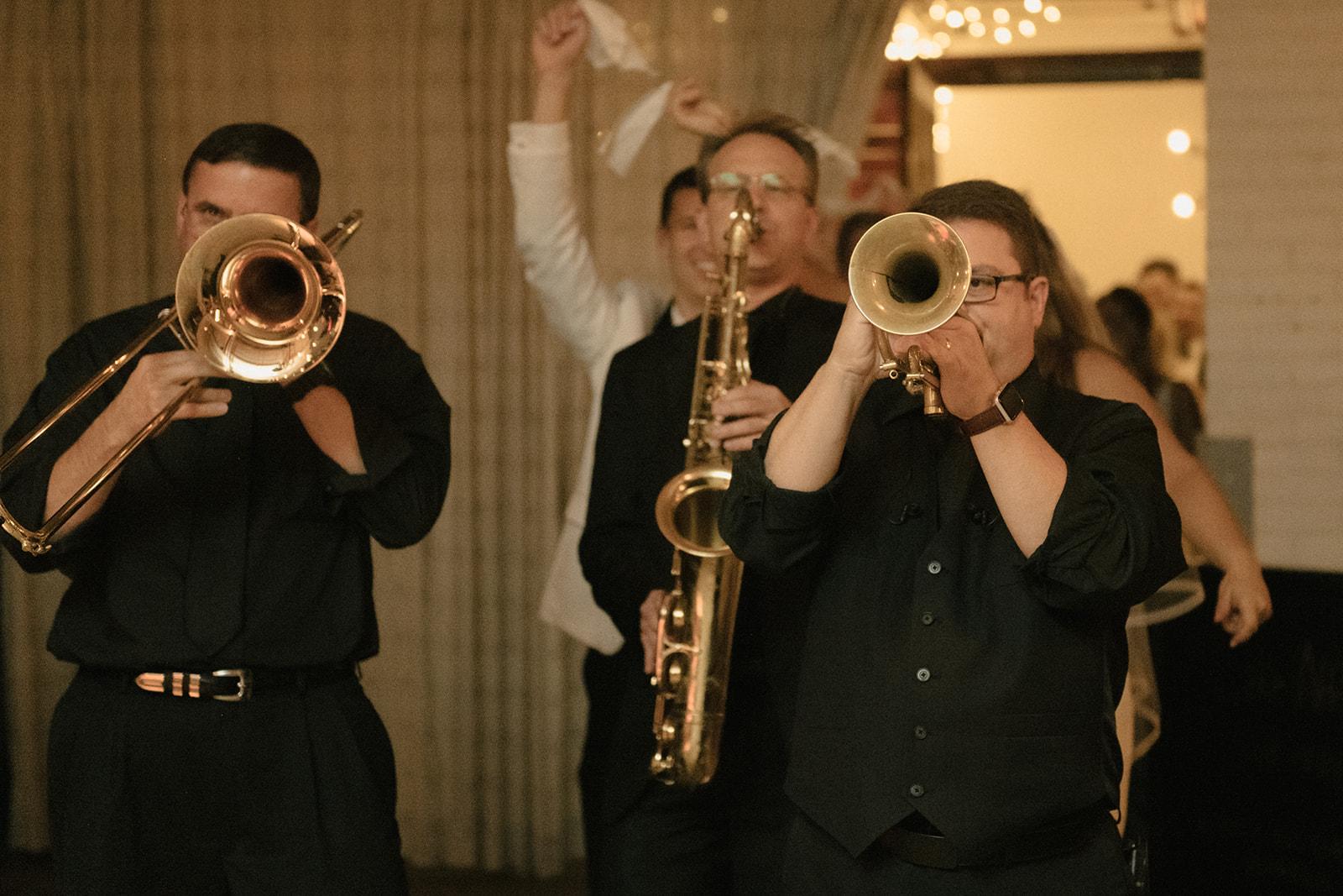 Maddie-Mike-Cleveland-wedding-Sophie-Berard-Photography-7329.jpg