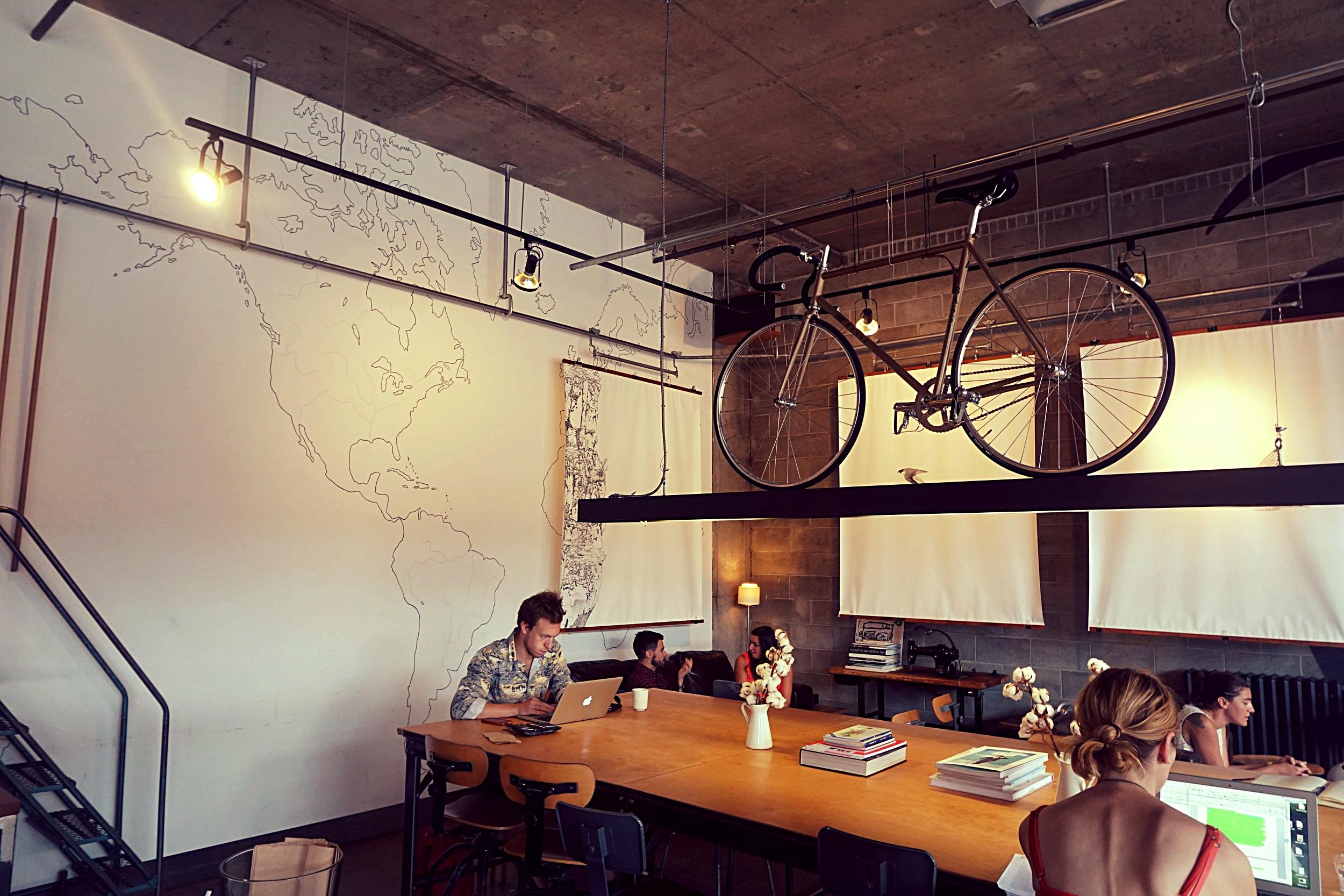 Café le Falco    Address: 5605 avenue Gaspé, Montréal
