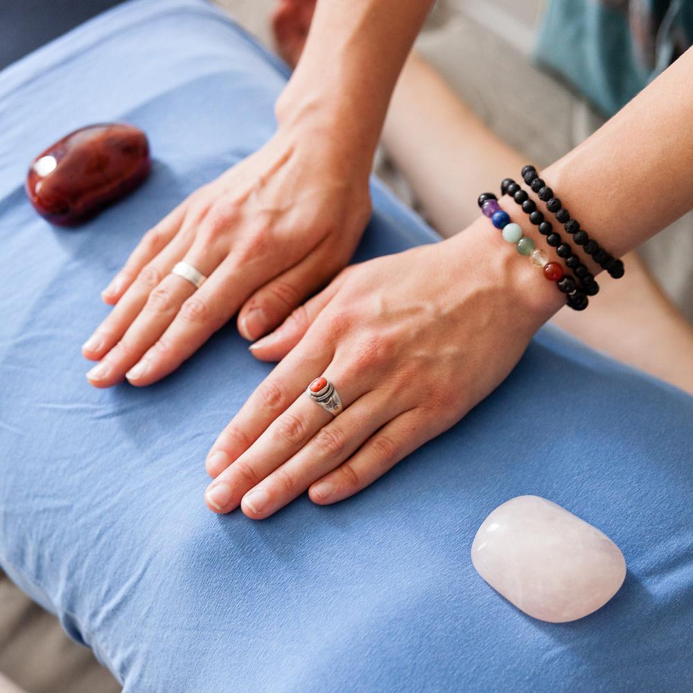 reiki-crystal-healing.jpg