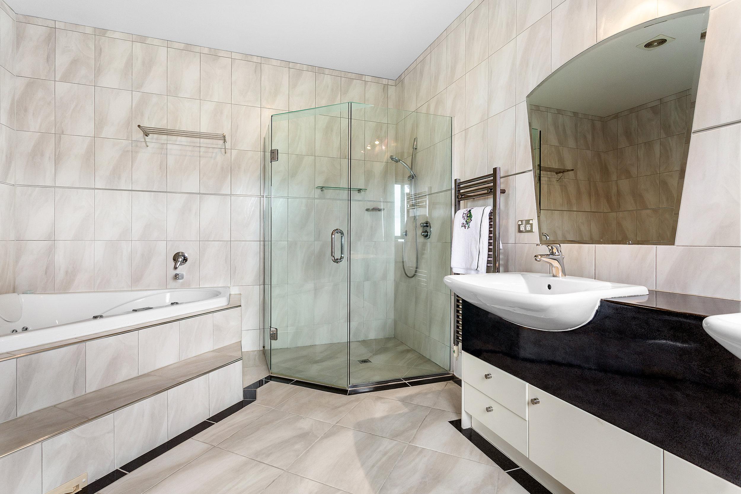Bath16.jpg