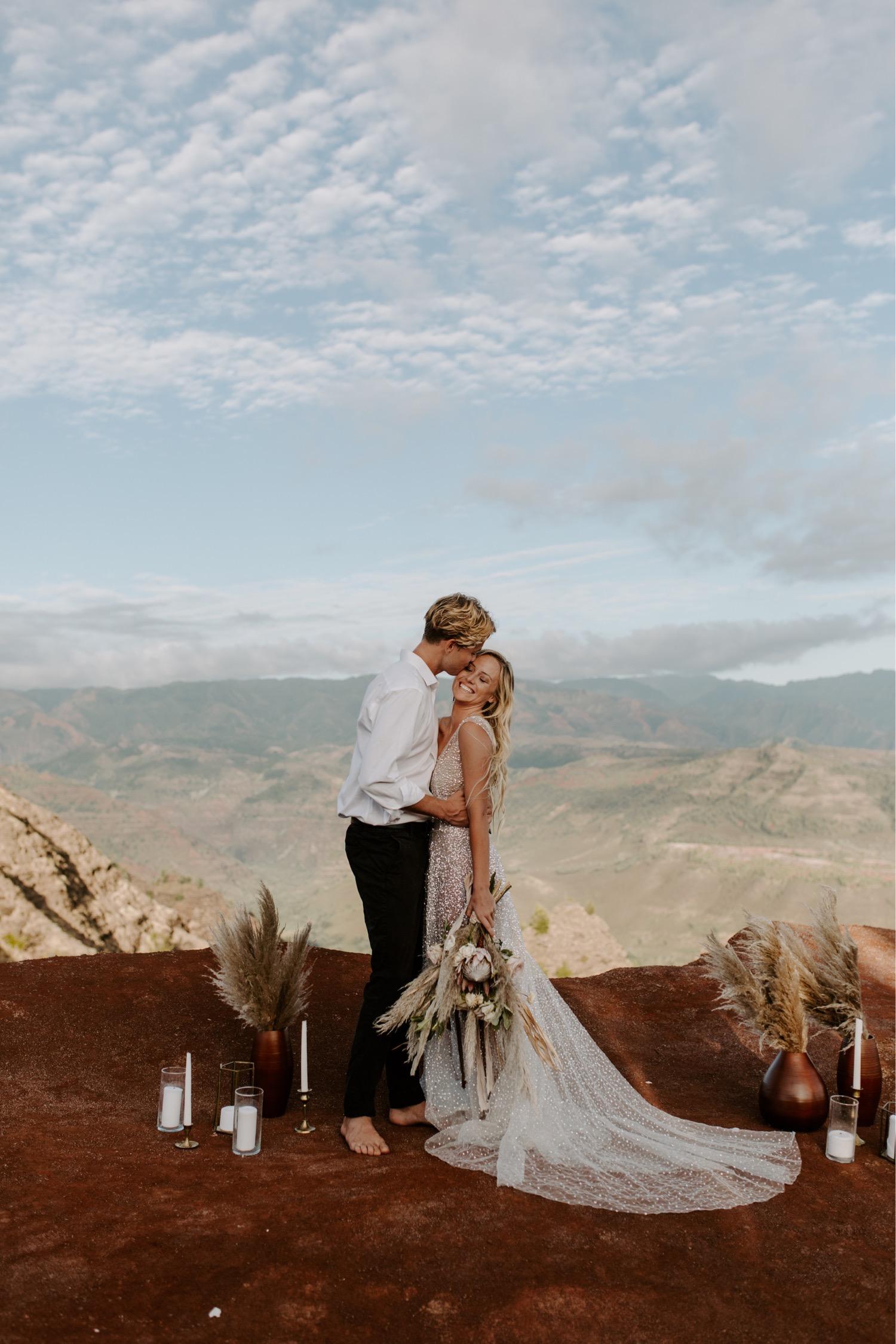 maia_chloe_photo_kauai_elopement_waimea_canyon_wedding