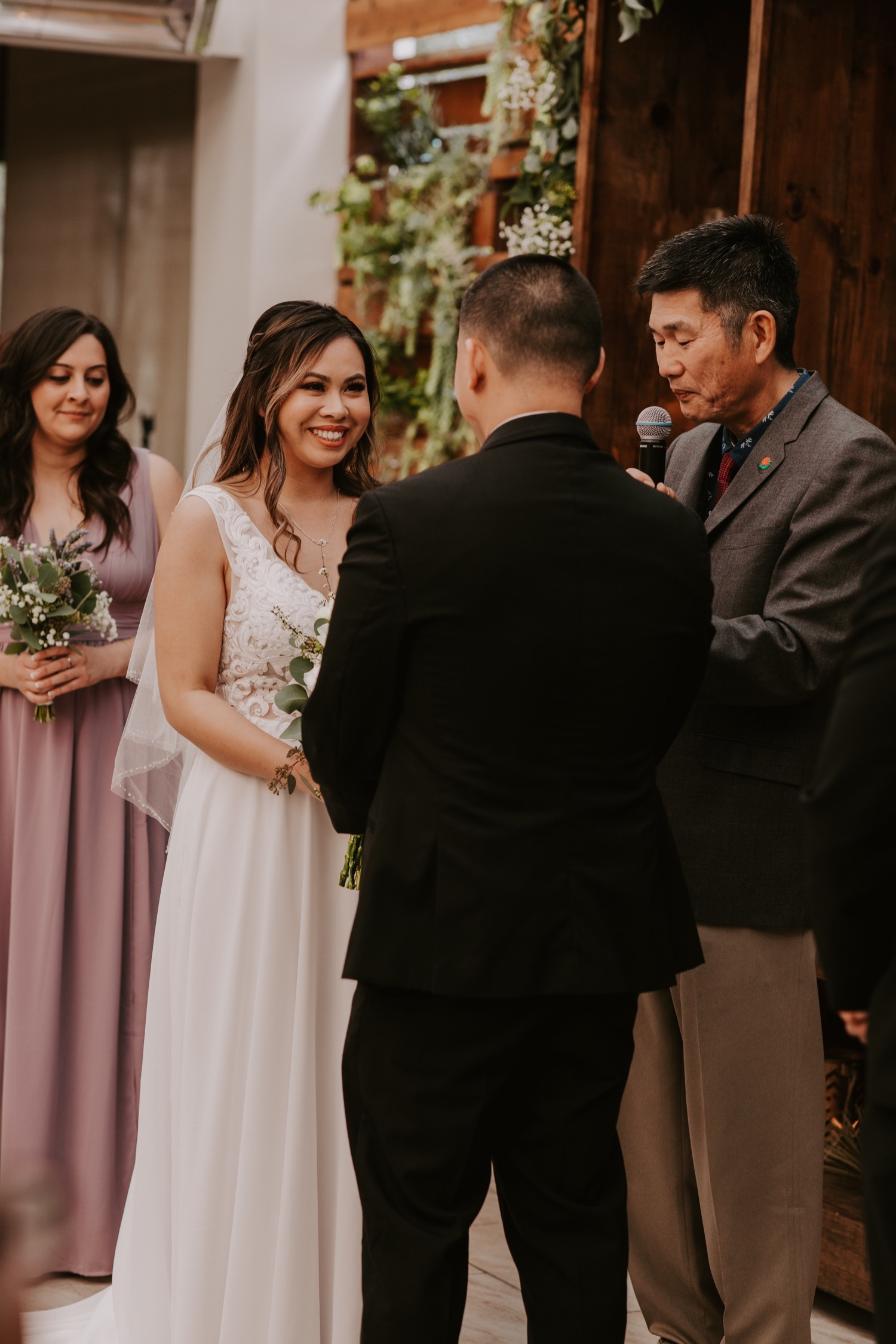 twenty-eight-irvine-wedding-california-traditional-vietnamese-tea-ceremony43.jpg