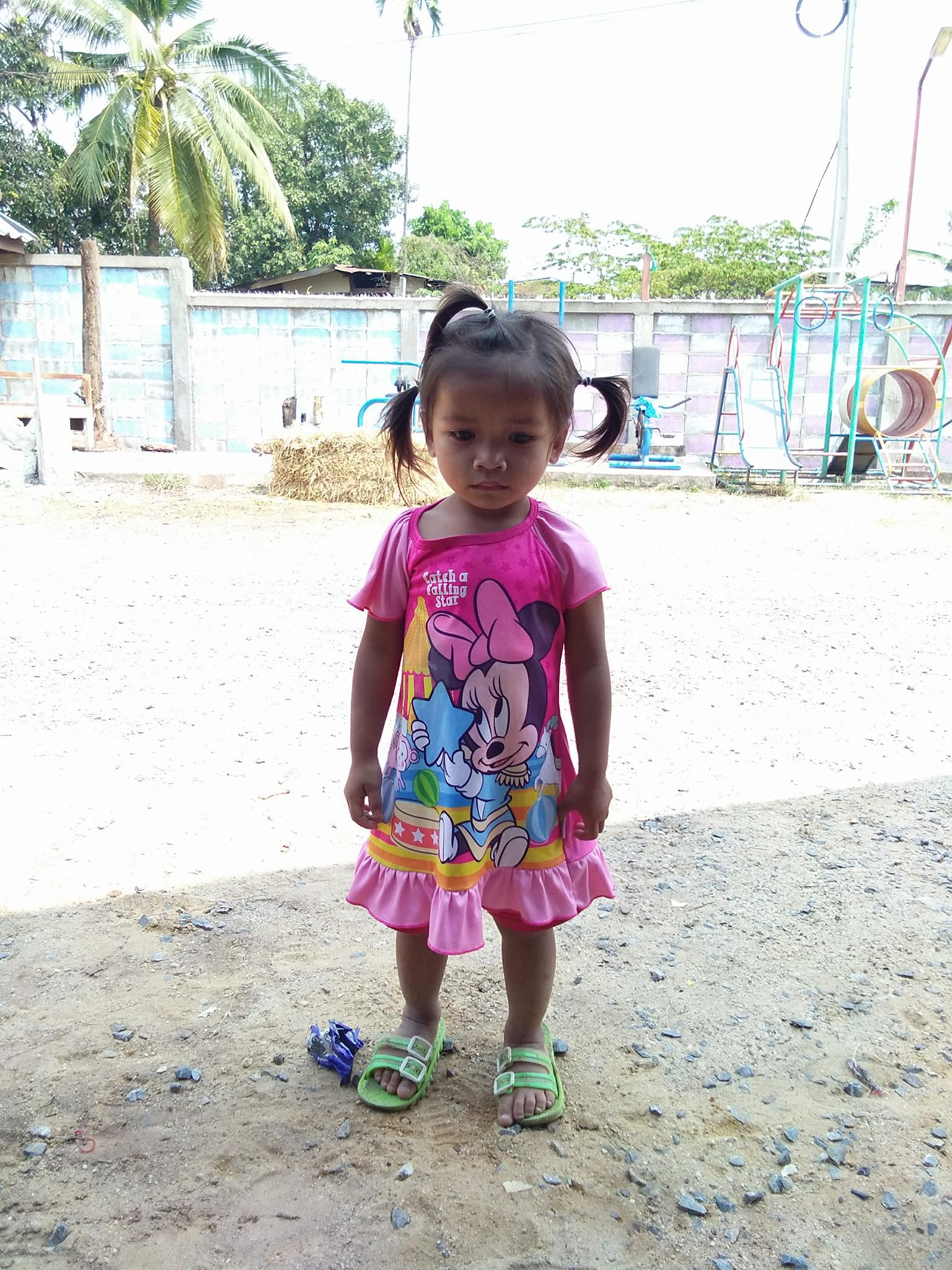 Kam (3 years old, girl)