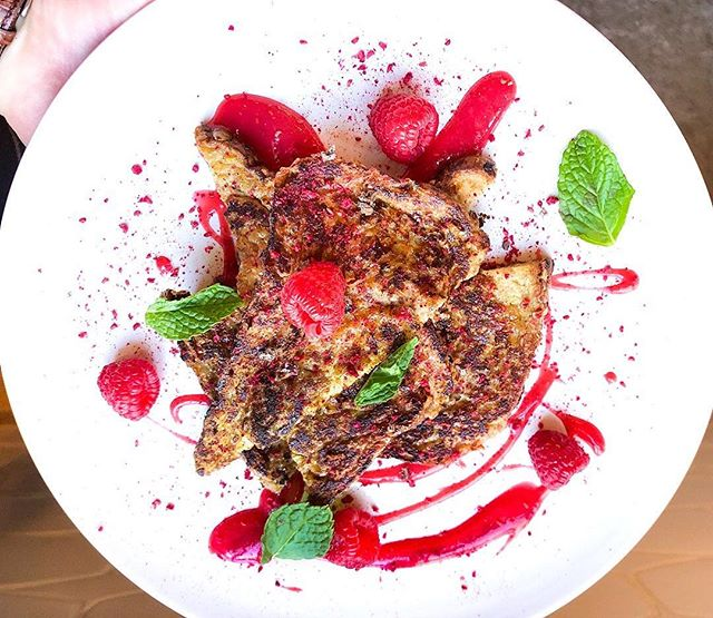 So a family friend that my Mom grew up with recently sent me a french toast recipe of my Grandma's that she used to make for them when they were kids. I wanted to give my take on it in honor of her (xo), so I made this for a client yesterday morning for breakfast. • She used a raspberry jam in her recipe, so I wanted to play on that. The french toast is soaked in milk, raw honey, orange zest, vanilla extract, egg and cinnamon (soaked for about 30 mins). On the plate is a raspberry purée. The french toast is topped with raspberry powder, mint, and Tahitian Vanilla Salt. • QUESTION: What are your favorite french toast toppings? • #cbcuisine #CreateSomethingBeautiful