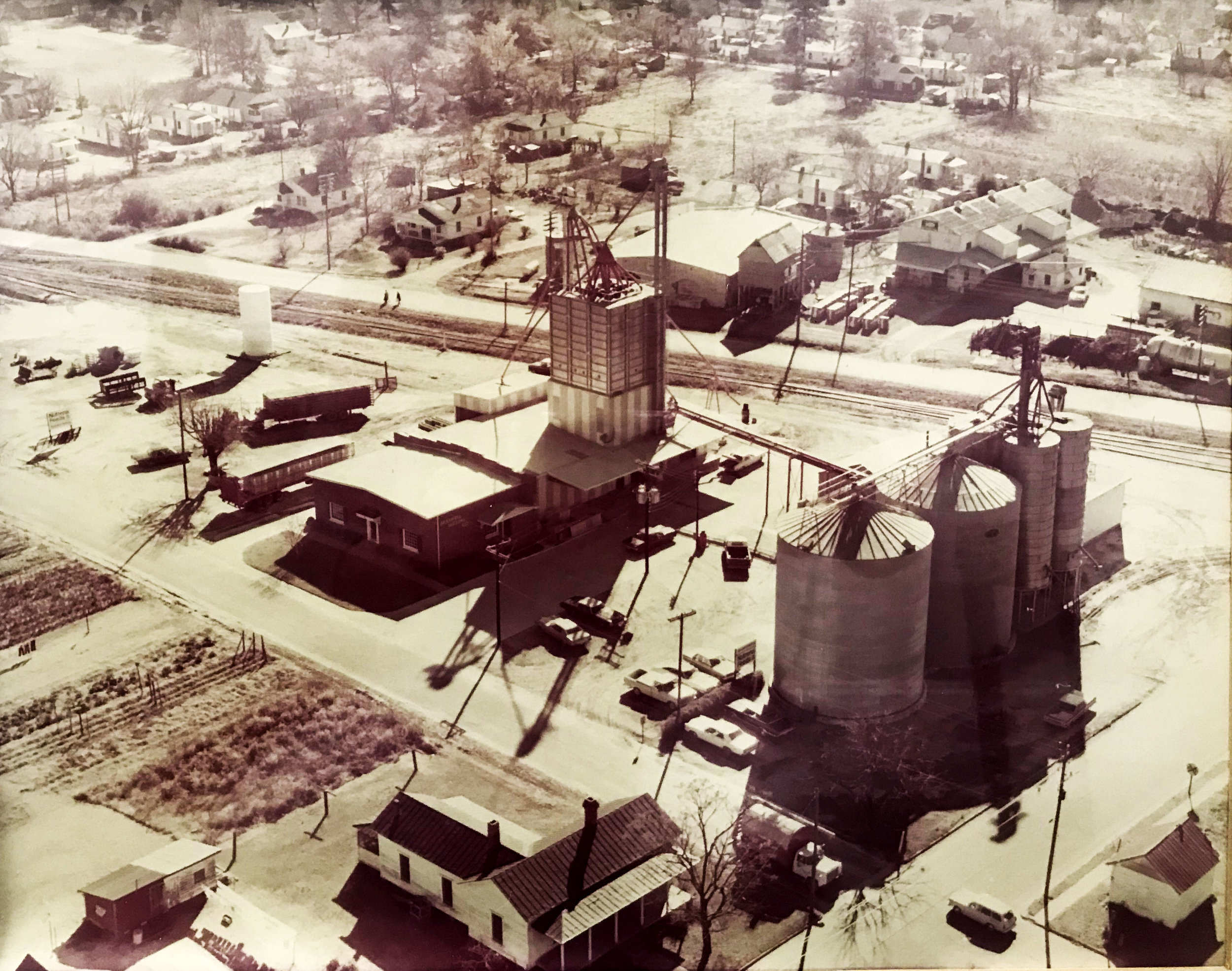 The Braswell feed mill after it was completed in 1969.