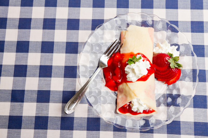strawberry-crepe.png