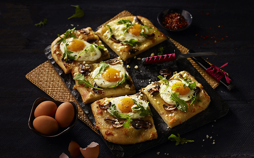 egg-and-mushroom-pizza.jpg
