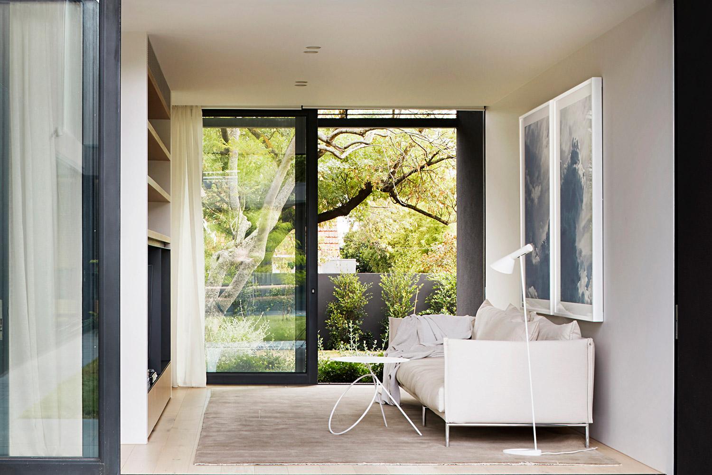 studiofour_-mayfield-avenue-residence-02-website.jpg