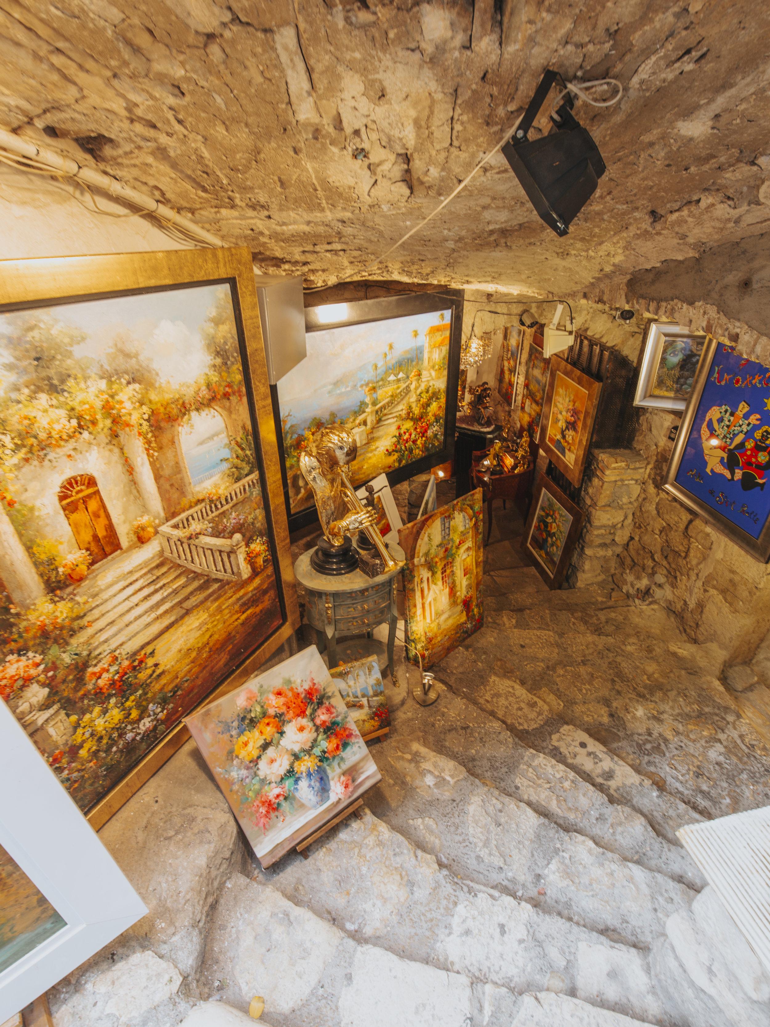 underground art store