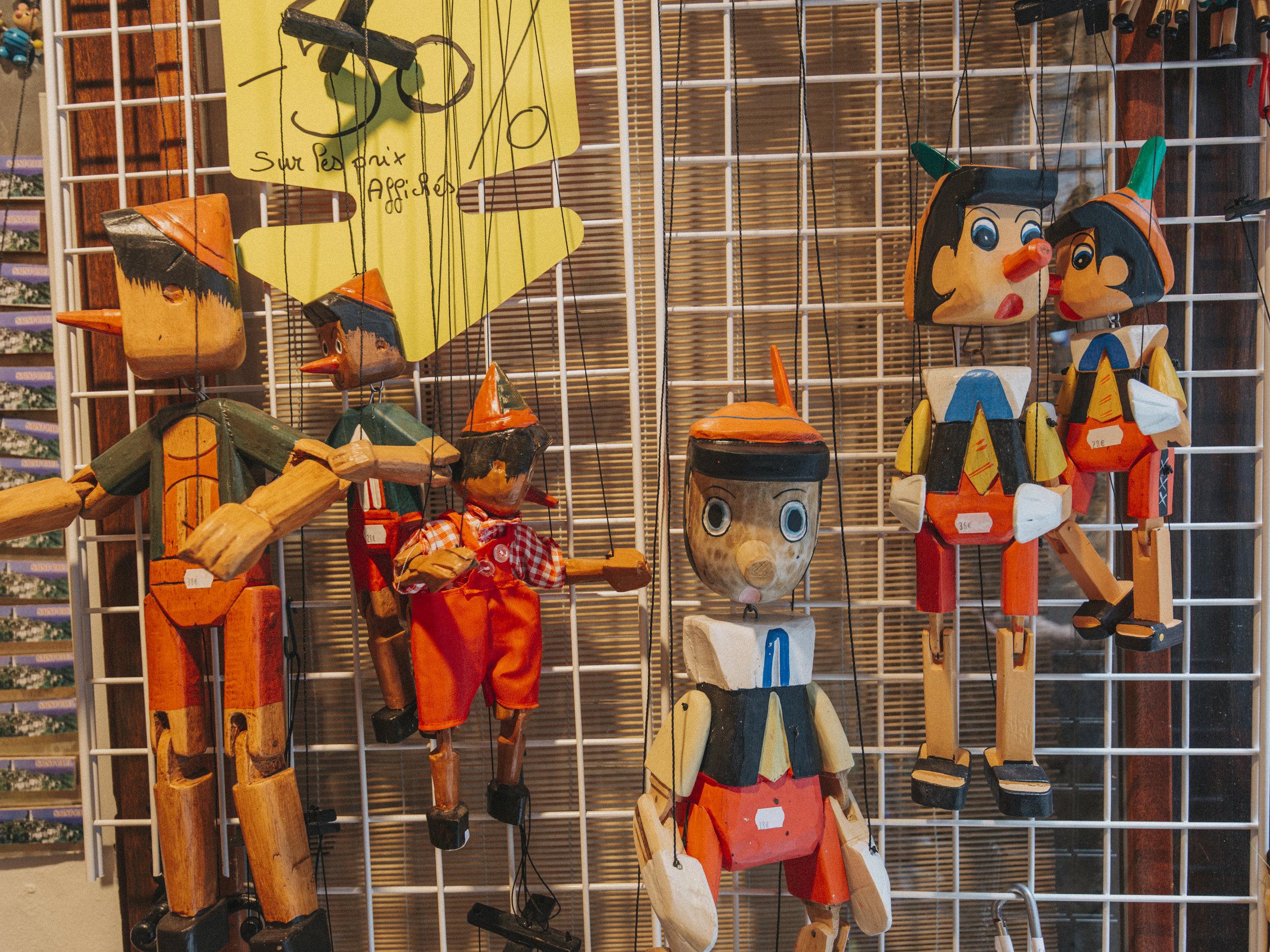 Pinnochio puppets