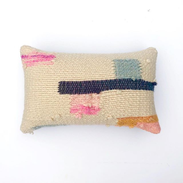 New cutie little pillow! One of a kind and hand dyed. I've been weaving up a storm these last few weeks 🥰