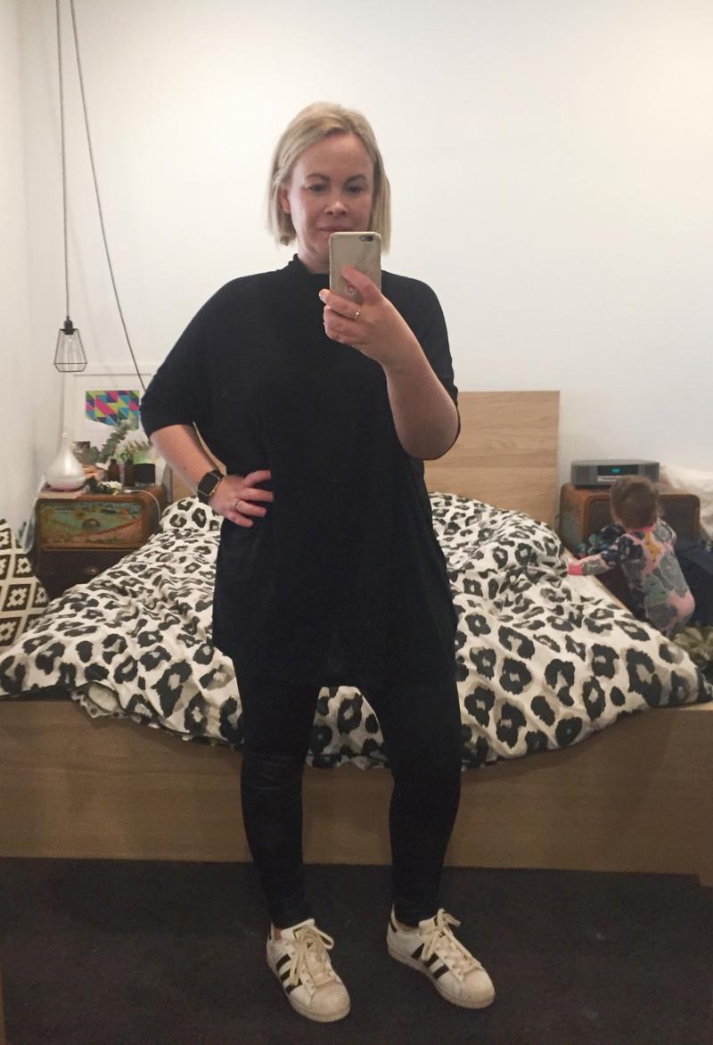 black leggings baggy top