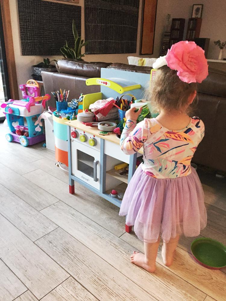 Children's kitchen | Girl in the Pjs