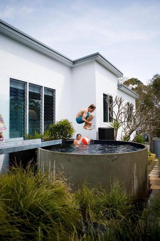 round pool via  apartment therapy