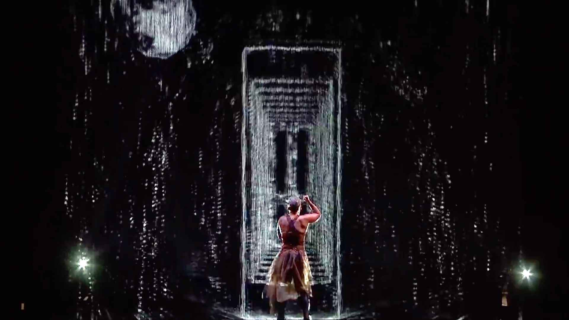 "PINK-x-BRIT-Awards-2019-Interactive-water-projection-performance-""Try""-02.jpg"