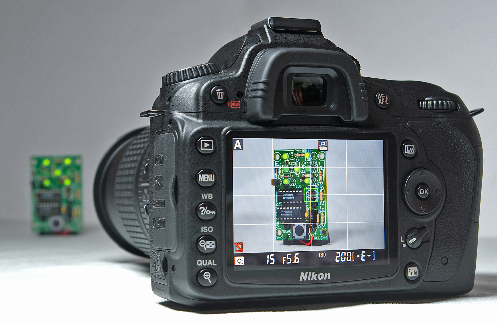 A camera in Live View, Image from Wikimedia