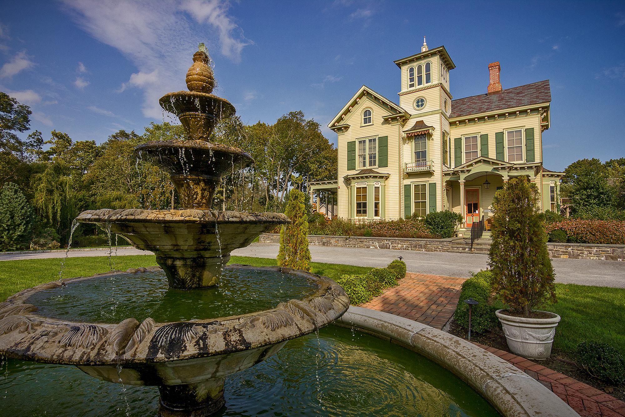 house _ fountain.jpg