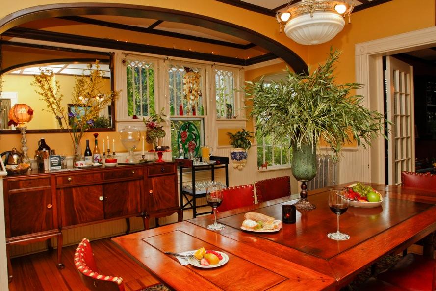 Rubys Cove diningroom.jpg