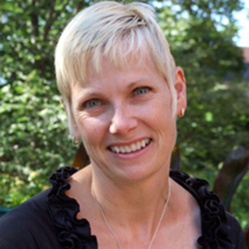 Dr Julie Churchill