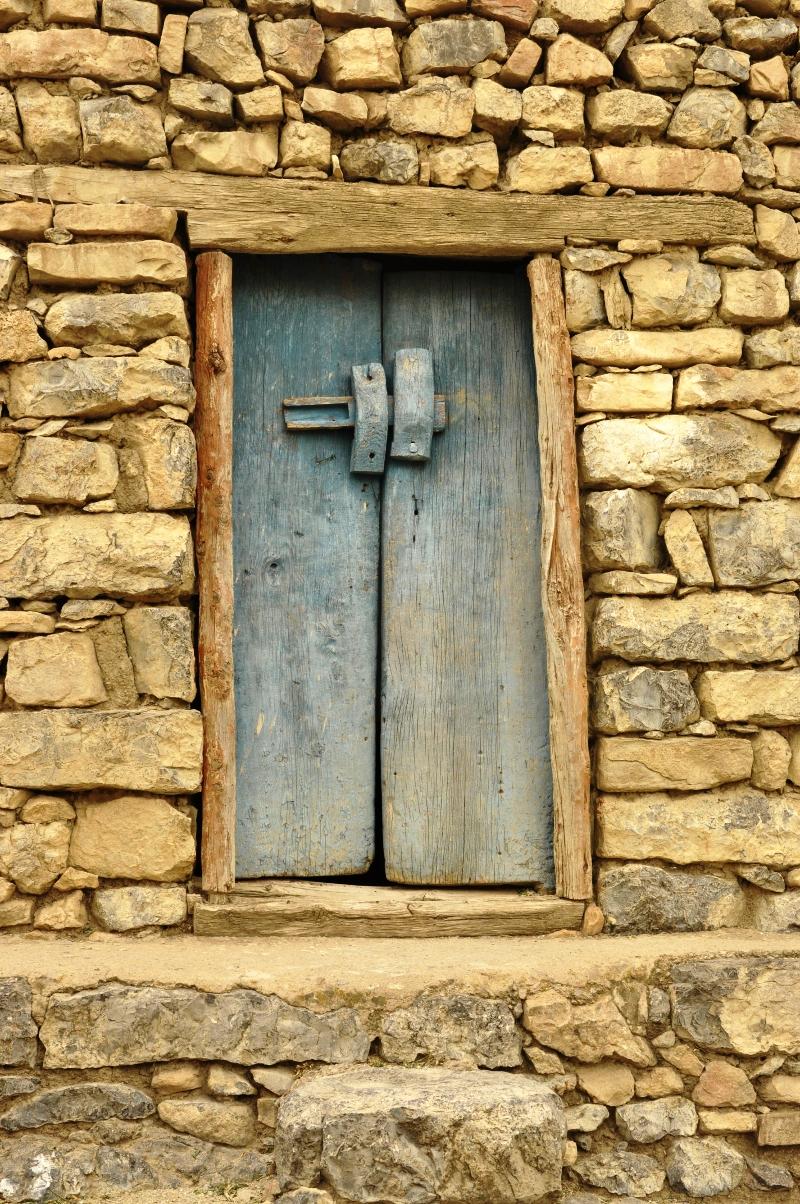 Traditional door in Taferdouste