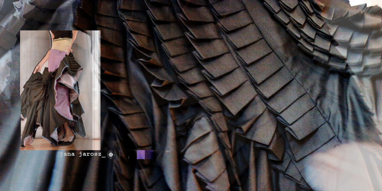 SQ+SKIRTblack+dinosaur.jpg