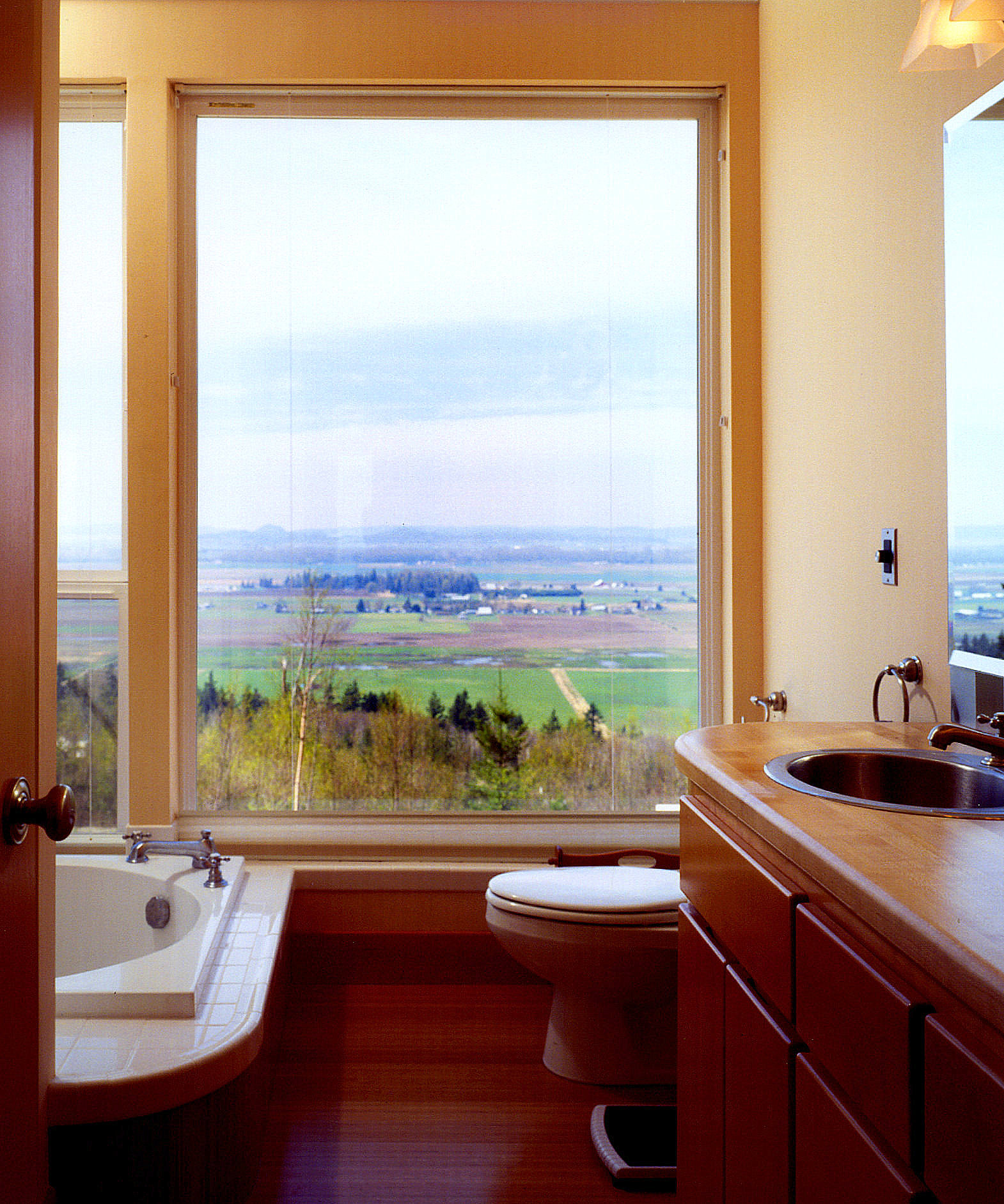 10 Bath.jpg