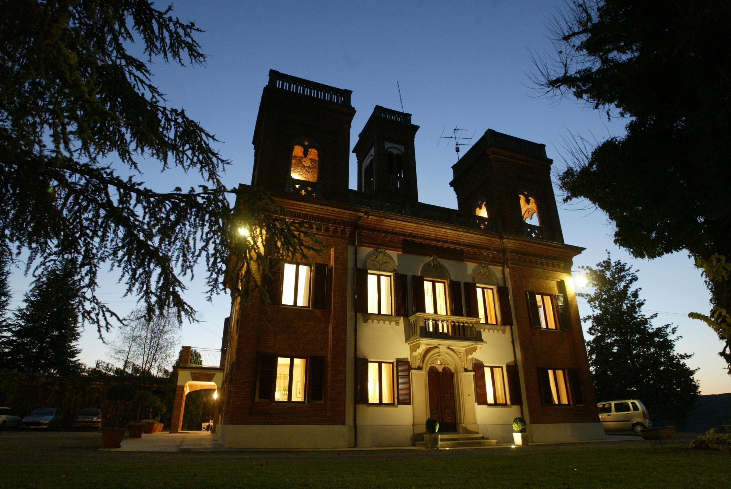 Cornarea Villa at night.jpg