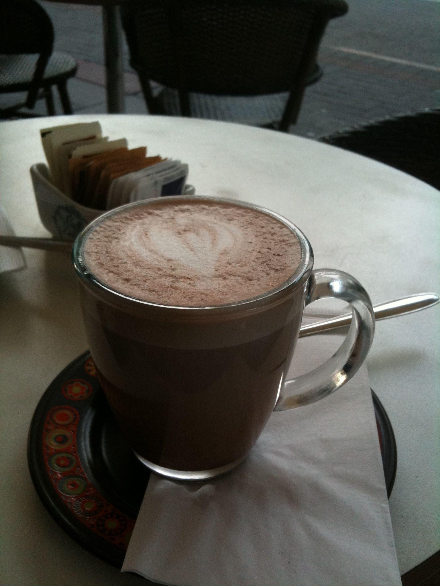 cafe-cesana---tel-aviv-israel_4315067853_o.jpg
