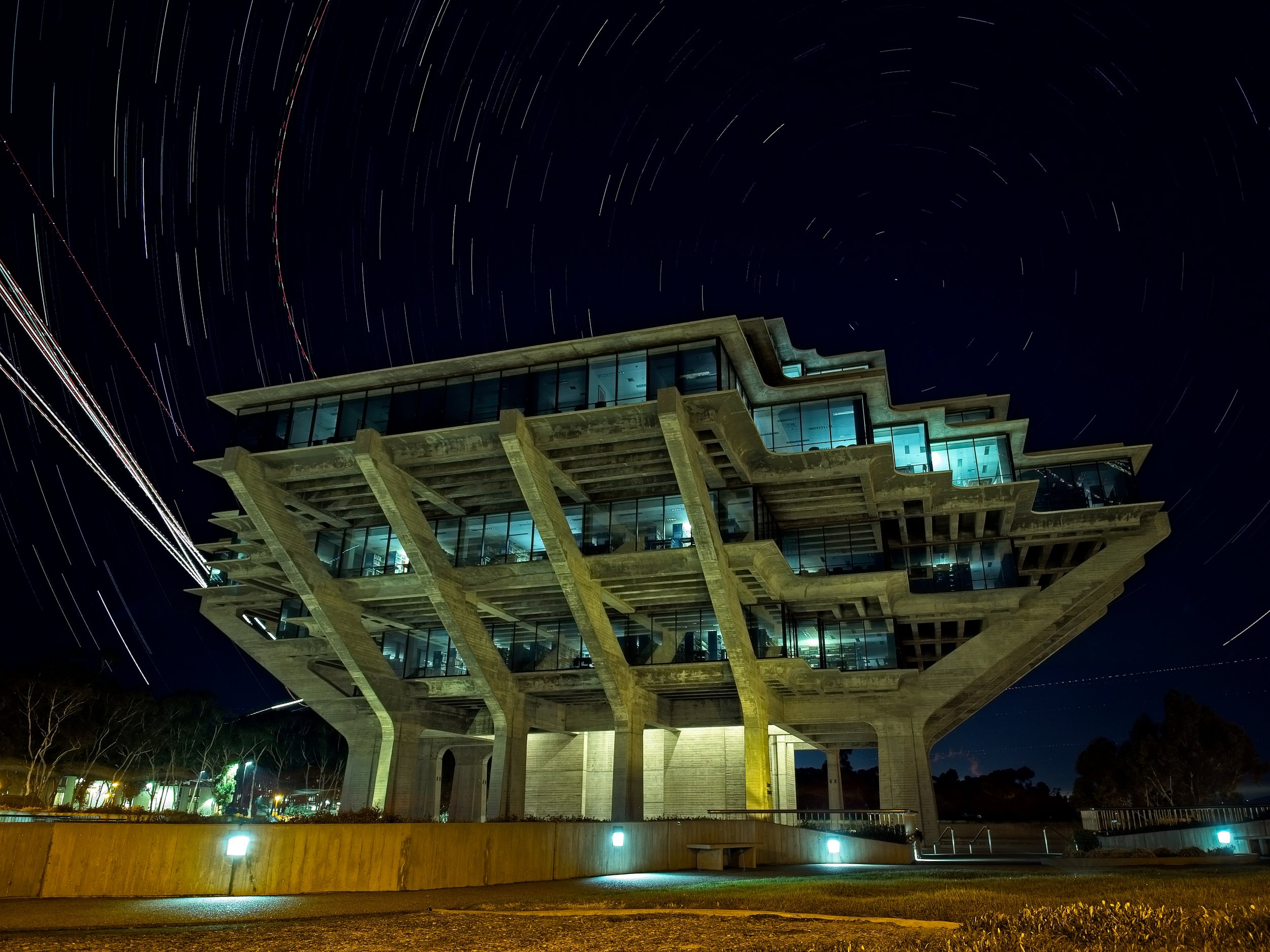 Star trails and airplane landing lights make the Geisel Library even more unique