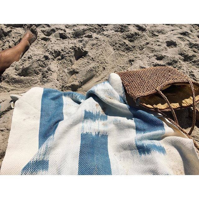 A warm winter day is the perfect time to dream about summer (and beach towels)☀️☀️