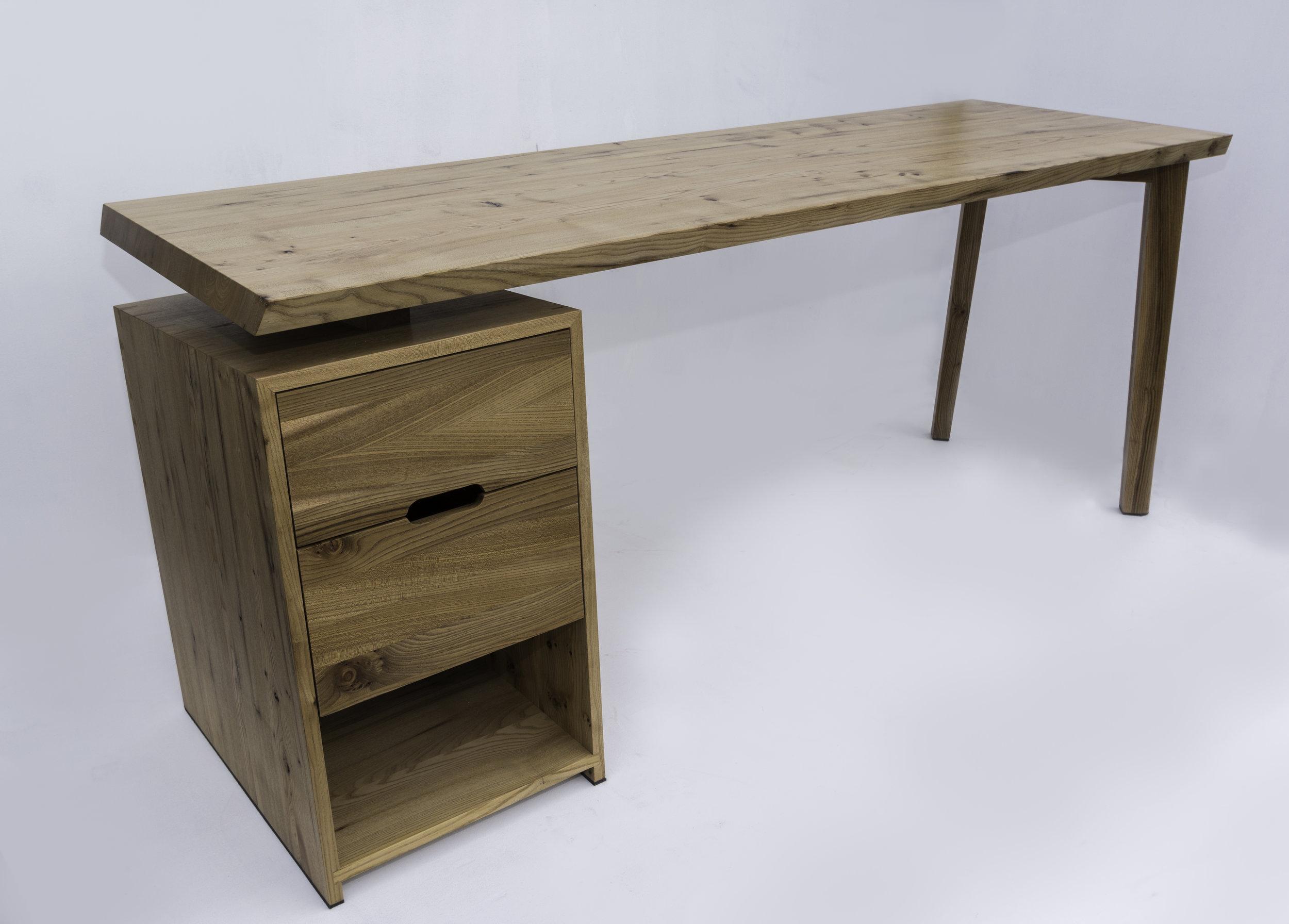 D3 Desk