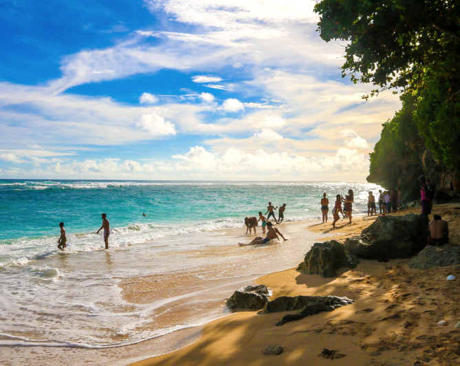 Green bowl beach - Green Bowl Beach is one of Bali's most secluded beaches, a small 30m coastal strip with coarse white sand, located approximately 75 metres down hundreds of steps under a verdant cliff in the village of Ungasan.