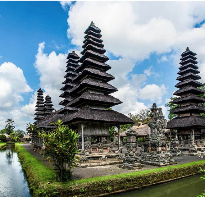 Taman Ayun Temple - This temple complex boasts magnificent traditional architectural features throughout its courtyards and enclosures as well as expansive garden landscapes comprised of lotus and fish ponds.