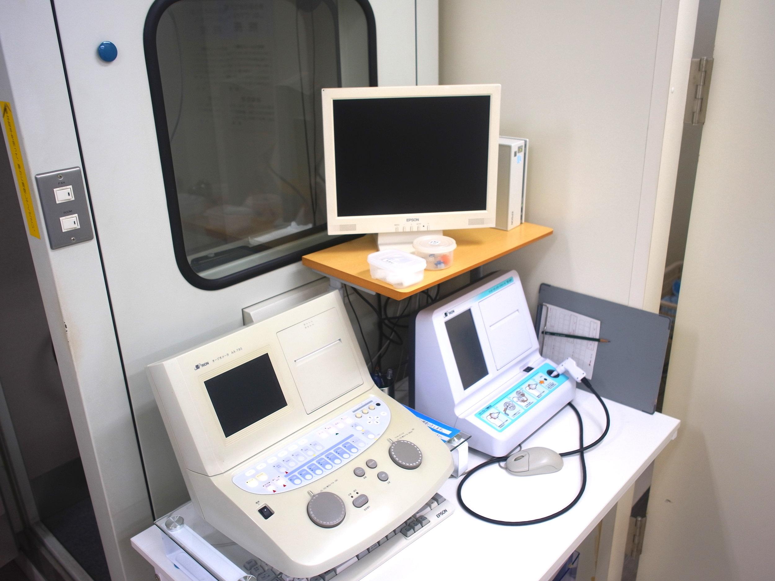 聴覚検査機器