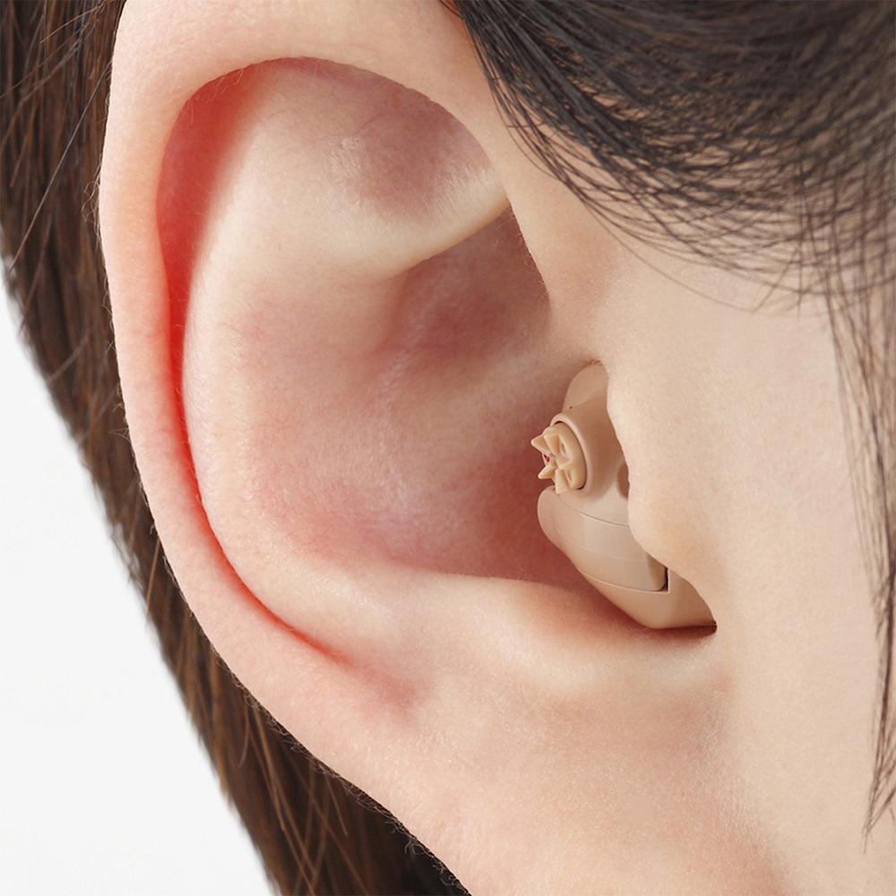 耳穴式補聴器(オーダーメイド) - 98,000円〜500,000円・耳本来の形を利用するので集音効果が自然に近い・マスクやメガネとの干渉も少ない・耳に入れるだけなので装用が楽・密閉感が多いため、異物感や自分の声の響きが出やすい(個人差があります)