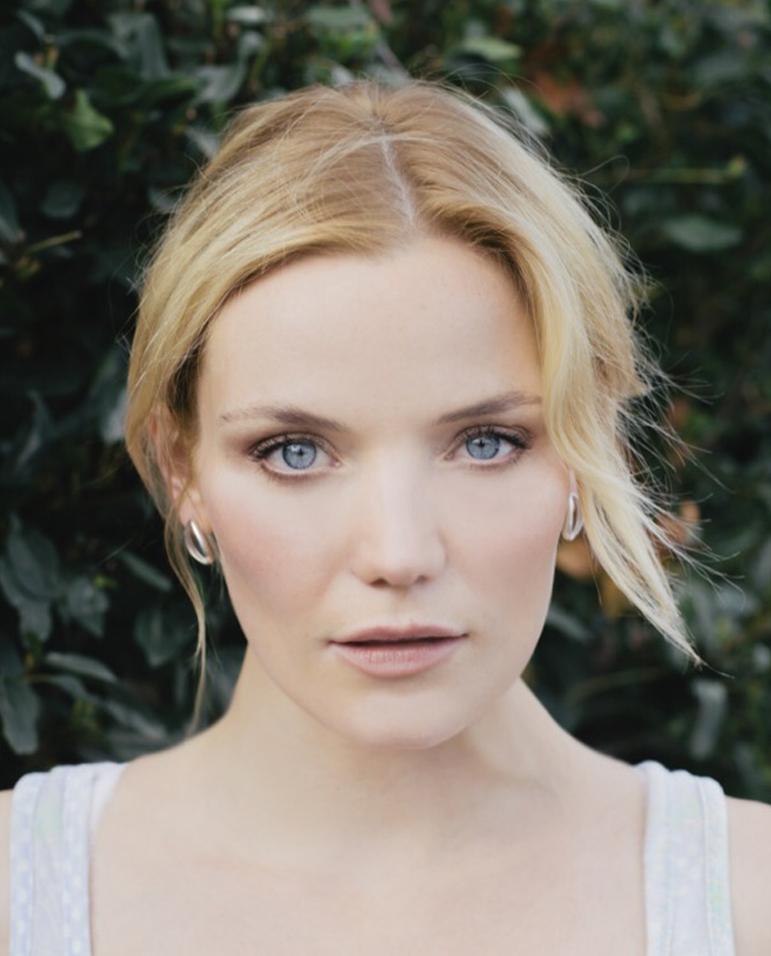 Anna Samson Headshot.JPG