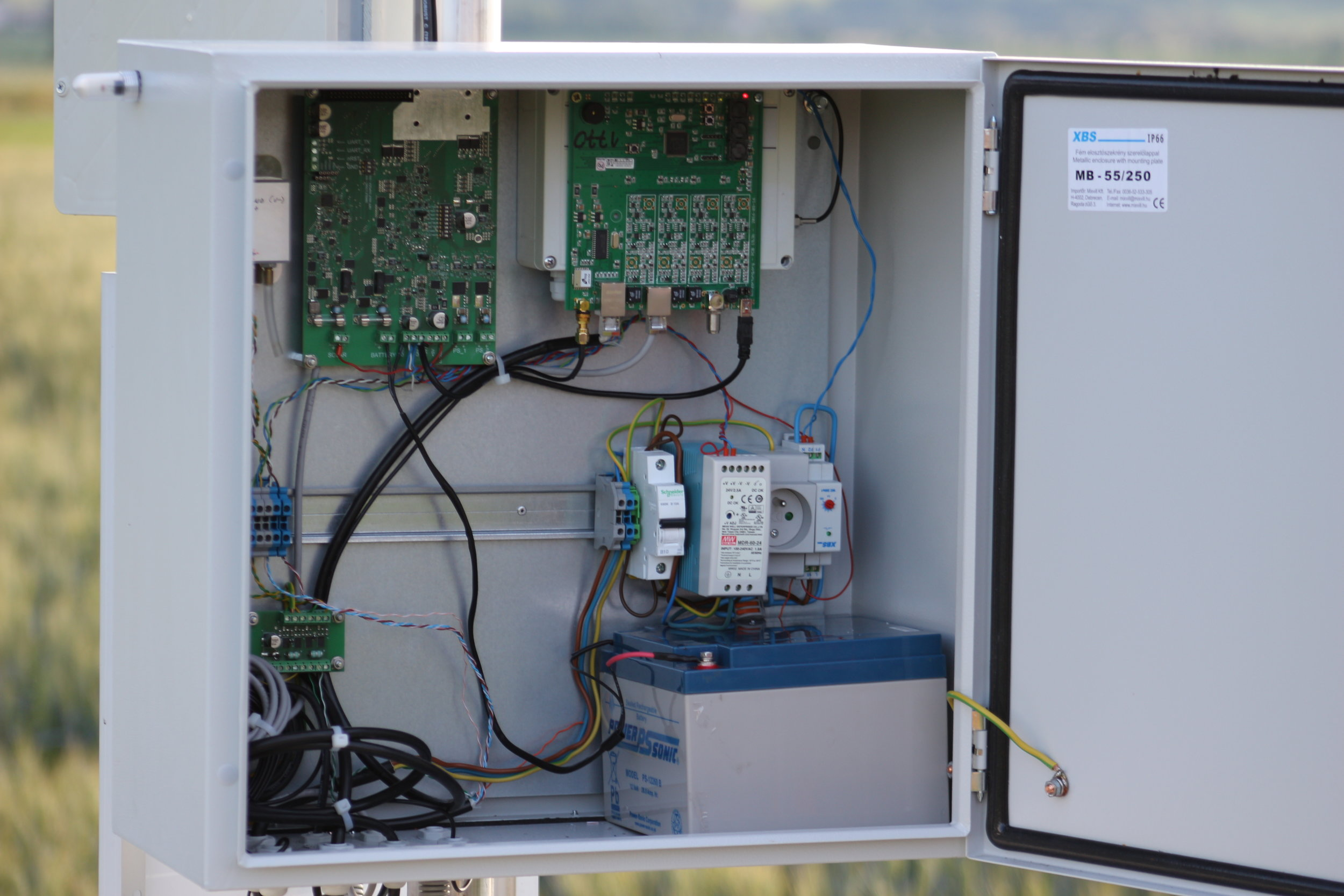 DETAIL OF METARLOGGSM WIRELESS DATA LOGGER, POWER PROTECT LIGHTNING PROTECTION AND POWER MANAGEMENT BOARD AT JASNA AERODROME AUTO-METAR INSTALLATION