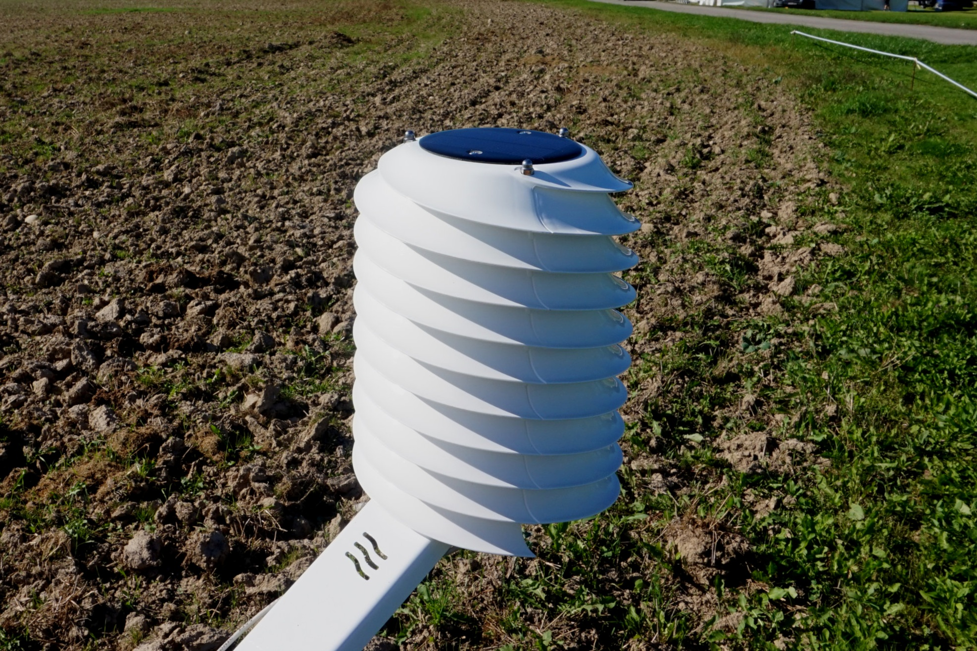 MeteoHelix IoT Pro LoRaWAN micro weather station in agriculture