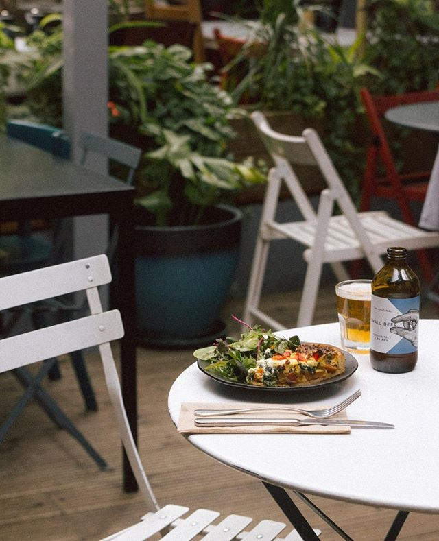Just a few minutes up the road from the brewery is the Anderson & Co. cafe. With its excellent food selection and charming atmosphere, it's no mystery why the Small Beer team members are loyal locals here. Pop in to enjoy a range of our Original Small Beers with lunch.