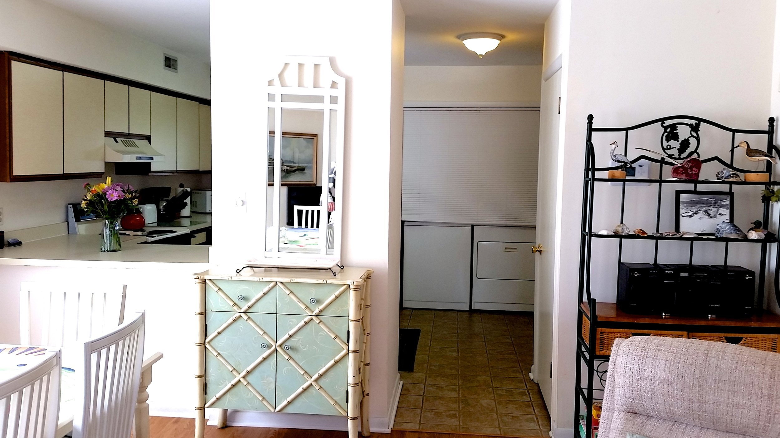 Kitchen with Full-Sized Laundry Machines