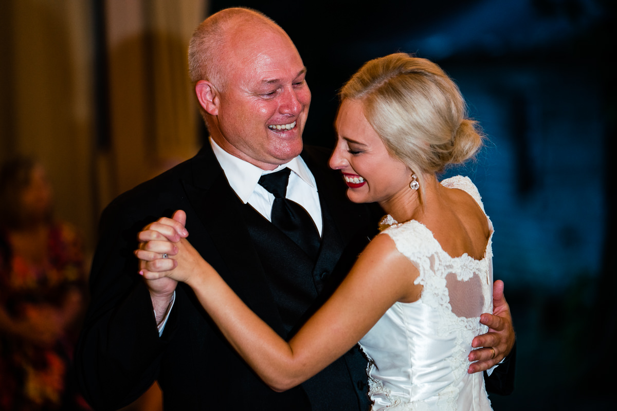 PORTFOLIO - See The LoveSee why other couples are in lovewith their own love stories and howyou will love yours too!