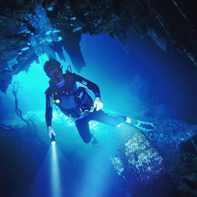 Technical Scouting @grupo.mann full cave diving.