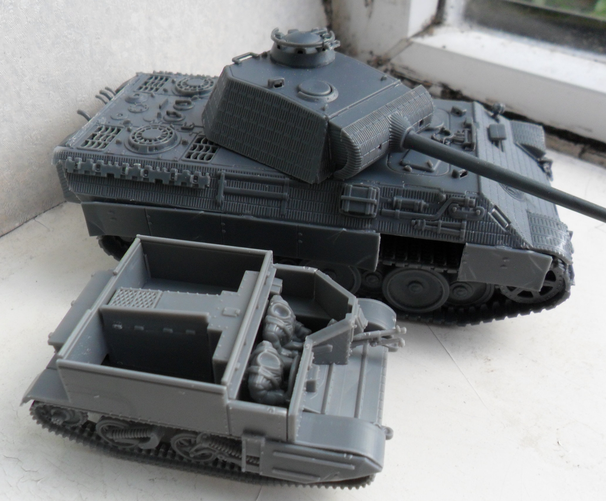 Carriers are quite diddy! (Panthers are also really big. Like bigger-than-Tiger-big).