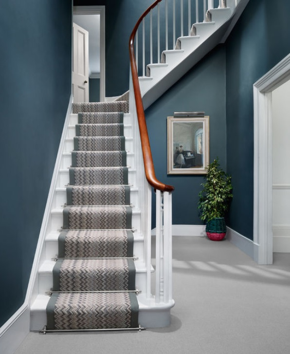 BAD IDEA FOR STAIR CARPETING. I'M DIZZY JUST LOOKING AT THIS PICTURE.