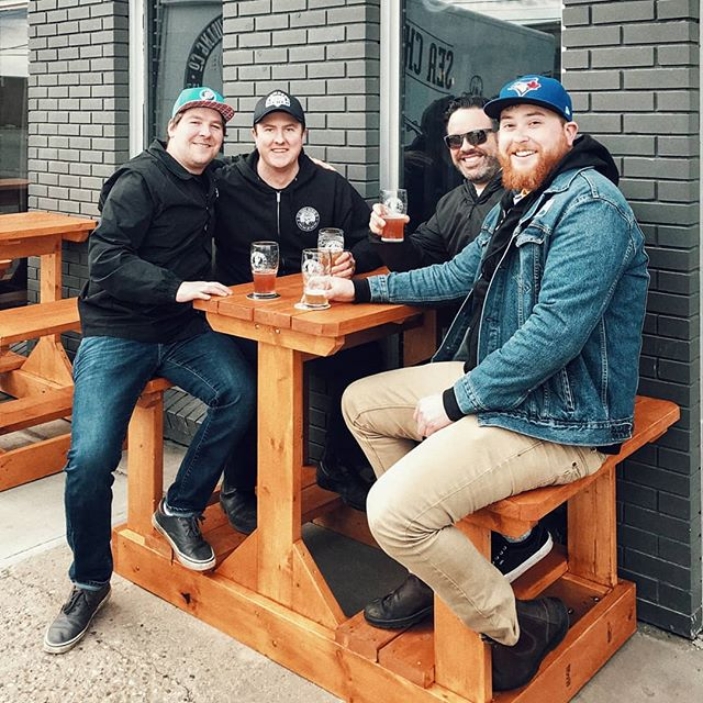 Scheming with our buds from @phillipsbeer 🍻 This summer is gonna get interesting . . #GREATBEERFROMRIGHTHERE #seachangebrewingco #seachangebeer #phillipsbrewery #yegcraftbeer #yegbeer